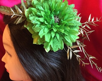 Beautiful  Fascinator Large Flower & Lace Gold Leaves Vintage Button Fascinator Headpiece Hair Clip New Year's Party SALE