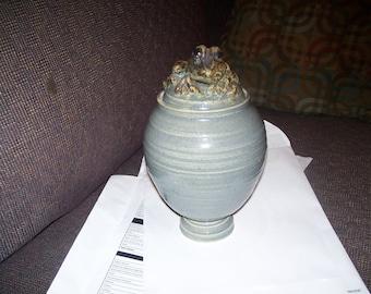 Bauer style frog vase