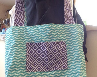 Reversible purple and blue tote/messenger bag