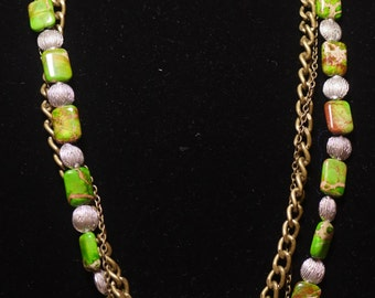 Green and Brass Chain Necklace 037