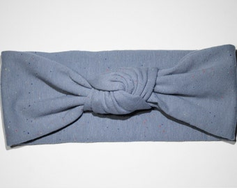 Speckled gray turban