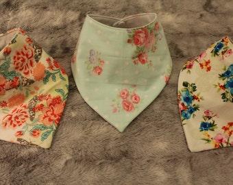 baby bibs/bib bandana/modern bibs/geometric bibs/baby bib modern/baby bib bandana/floral bib/pink bib/baby accessories/drool bibs