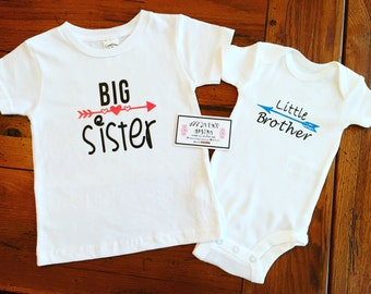 Big Sister/Brother Shirt and Little Sister/Brother Onesie Set. Customized Baby Shower Gift. Customized Personalized Gift.