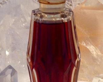 Houbigant, Présence, 50 ml. or 1.69 oz. Flacon, Pure Parfum Extrait, 1921, Paris, France ..