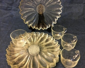 Vintage Indiana Glass Petals Pattern Snack Set for 4, Glass Sunflower Luncheon Set
