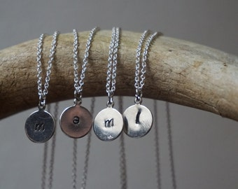 Lovely personalised initial necklace (sm) in Silver.