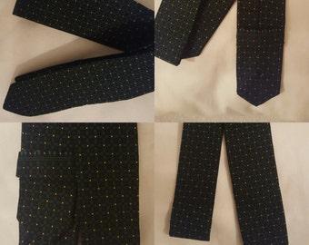 Mens green patterned tie