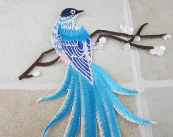 Embroidered Bird Patch Iron/Sew On