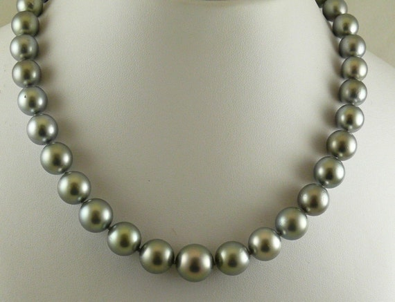 Tahitian Gray 13.2mm x 13.1mm - 10.4 mm x 10.1mm Pearl Necklace,14KW Gold Clasp