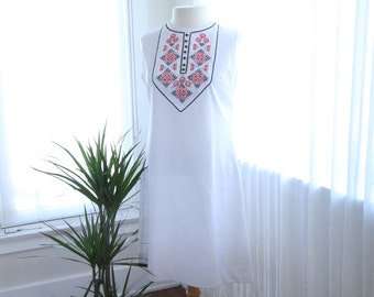 1960s embroidered shift dress