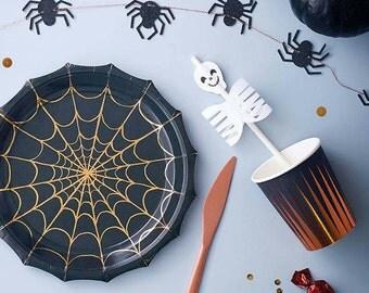 Meri Meri. Halloween Plates. Halloween Party. Halloween Decor. Meri Meri Halloween. Halloween. Spider Plates. Spider Tableware