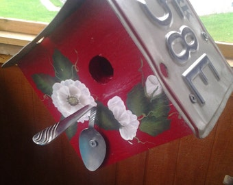 Handmade hand painted License Plate Birdhouse