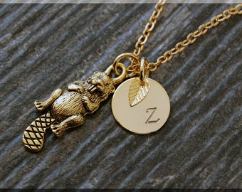 Gold Beaver Charm Necklace, Initial Charm Necklace, Personalized, Beaver Pendant, Wild Life Jewelry, Monogram Forest Animal Necklace