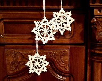Crochet Christmas Ornaments White Crochet Snowflakes Christmas Decoration Christmas Star Doily Snowflake Christmas chaplet Wedding Decors