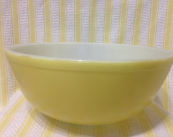 Vintage Pyrex Yellow 404 Primary Nesting Bowl, Pyrex Primary Yellow Mixing Bowl