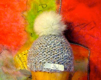 Acrylic wool Tuque polyester thread metallic Pompom in Norwegian Fox recycled 50-55cm in circumference 19cm high