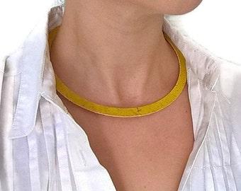 Cork choker necklace, cork necklace, cork jewelry, vegan necklace, vegan jewelry, Portuguese cork, Portuguese jewelry, yellow necklace, cork