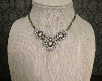Vintage pearl necklace // vintage necklace // antique brass necklace // bib necklace // collar necklace