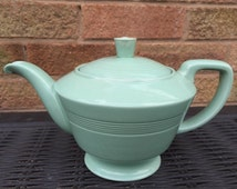"Beryl Teapot - 1.5 Pint Capacity - 1940s' Woods Ware Retro Vintage Kitsch - 5.75"" High"