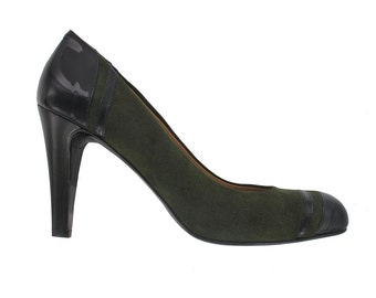 WINTER SALES,  black and green leather pumps, Designed in Paris , Handmade in Italy, Alex