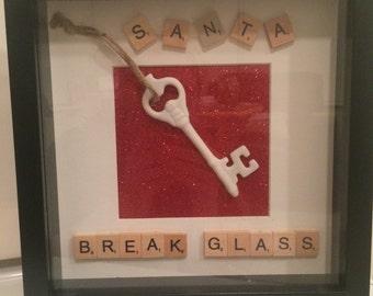 Santa beeak glass frame