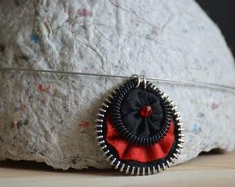 recycled zipper pendant