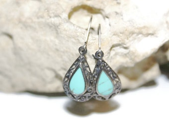 Genuine Silver and Turquoise Earrings, Southwestern Jewelry, Vintage Jewelry, 80s Jewelry, Turquoise Jewelry, Native American, Lever Back