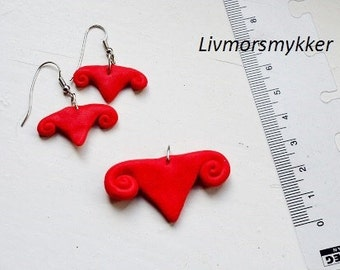 Uterus necklace and earrings