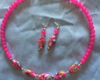 Pink Multi Colored Necklace Set