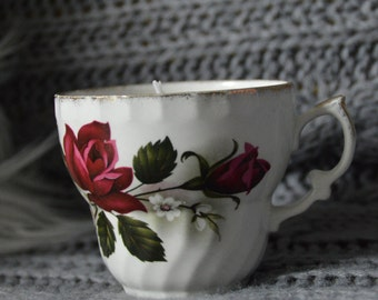 Vintage Tea Cup candle with light smell