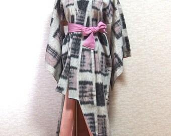 Antique/ Japanese dress /Kimono / robe/vintage /traditional/night wear/silk