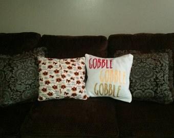 Gobble pocket pillow cover