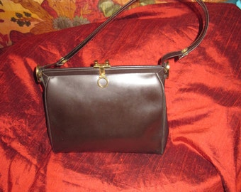 Vintage 50's brown leather bag.