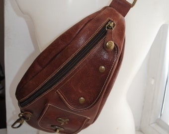 Vintage 90s RUCKSACK tan leather GIL HOLSTERS genuine leather cross body triangle backpack