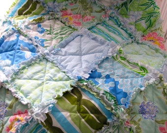Recycled 'Garden Path' rag lap quilt