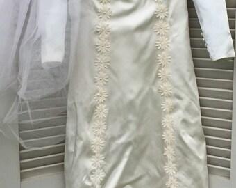 Mod 1969 wedding gown