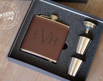 Personalized Hip Flask engraved Groomsmen Leather Flask Gift Set Wedding Party Gift Flask Initials Monogram Groomsman Wedding Gift