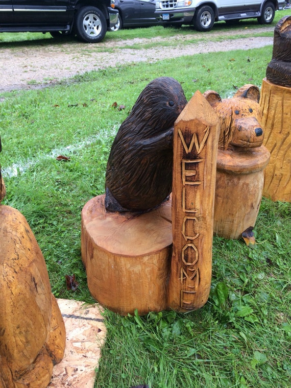 Welcome beaver chainsaw carving