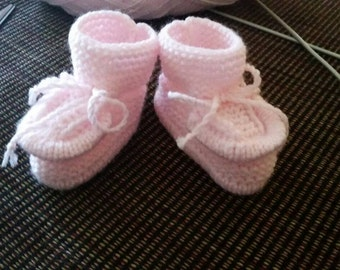 Knitted baby booties, size 3-6 months, pink color