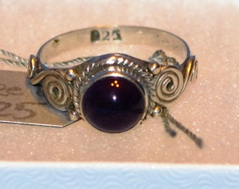 R007 Solid Sterling Silver Bezel Purple Cabochon Scroll Wire Rope Accent Ring - Size 6