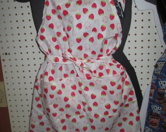 adult patterned apron Strawberry 100% cotton fabric feels Strawberry