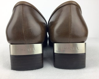 Chanel Brown Leather and Chrome Logo Vintage Shoes. Size 8.
