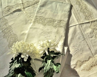 Wedding bedclothes - Luxury Linen with lace  - romantic Style