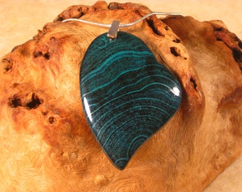 Dark Turquoise Agate Asymmetrical Heart Necklace
