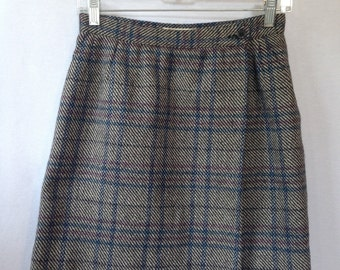 1990s grey/blue/pink plaid wool skirt by MANI size 44