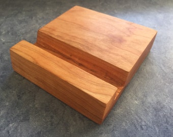 Wooden iPhone Stand (cherry)
