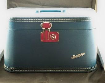 Carilite Train case