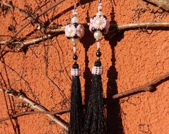 Acorns in beads and rocailles made hand earrings earrings long earrings luxury sleeper fringe
