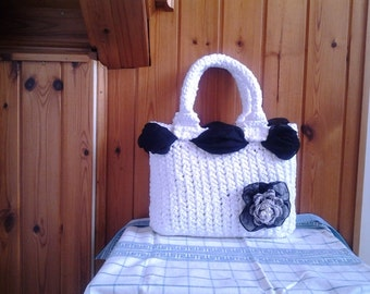 Hand Knitted Bag/Purse to crochet