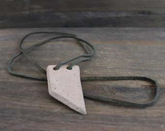 necklace [green leather]